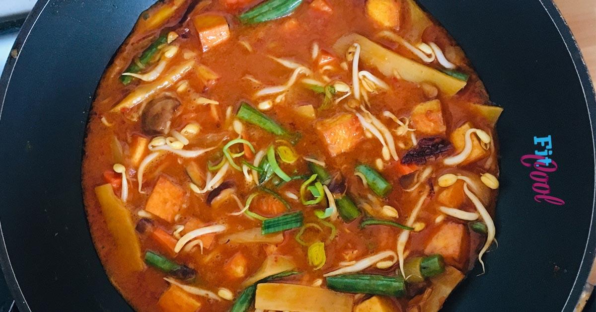 Ryžové rezance s kokosovo-curry omáčkou